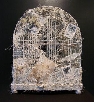 «Cage II ». Techniques mixtes. 58x27x36 cm