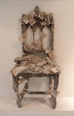 « Les souvenirs d'une chaise ». Techniques mixtes. 102x48x40 cm