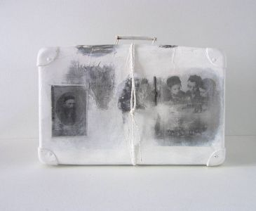 « Mémoire de valise II ». Techniques mixtes. 66x50x20 cm